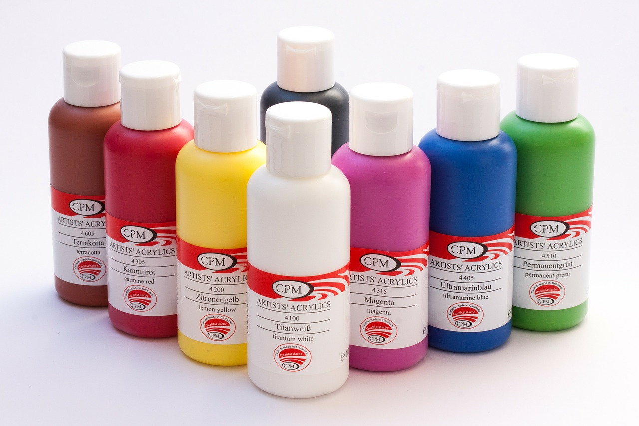Co możemy pomalować farbami akrylowymi
